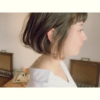 インナーカラー ブリーチ ハイライト ボブ ヘアスタイルや髪型の写真・画像