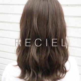女子会 ナチュラル 斜め前髪 ミディアム ヘアスタイルや髪型の写真・画像