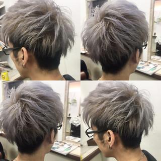 メンズ ダブルカラー 刈り上げ ストリート ヘアスタイルや髪型の写真・画像