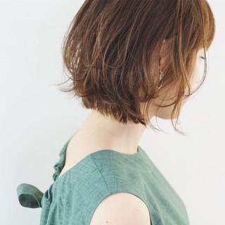 ハイトーンカラー フェミニン ボブ レイヤーボブ ヘアスタイルや髪型の写真・画像