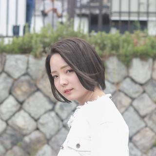 ショート 透明感カラー ミルクティーグレージュ ナチュラル ヘアスタイルや髪型の写真・画像