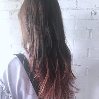 ロング グラデーションカラー イルミナカラー ガーリー ヘアスタイルや髪型の写真・画像