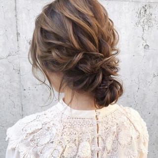 ヘアアレンジ 結婚式ヘアアレンジ セミロング アンニュイほつれヘア ヘアスタイルや髪型の写真・画像