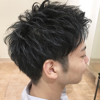 ストリート ツーブロック メンズ マッシュ ヘアスタイルや髪型の写真・画像