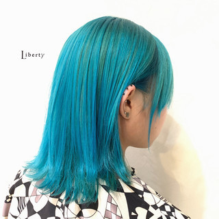 ブルー 派手髪 ストリート 個性的 ヘアスタイルや髪型の写真・画像