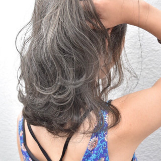 グレージュ ボブ ハイライト アッシュベージュ ヘアスタイルや髪型の写真・画像 ヘアスタイルや髪型の写真・画像