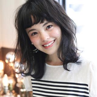 ミディアム 女子会 リラックス デート ヘアスタイルや髪型の写真・画像