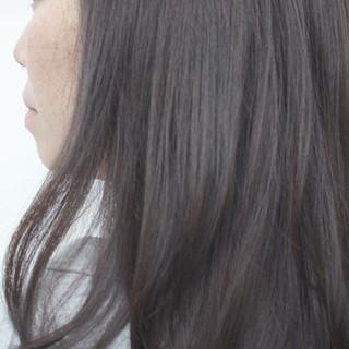 暗髪 ナチュラル セミロング グレージュ ヘアスタイルや髪型の写真・画像