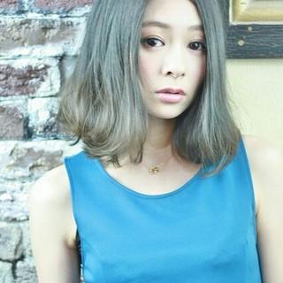 ガーリー アッシュ ハイライト グラデーションカラー ヘアスタイルや髪型の写真・画像