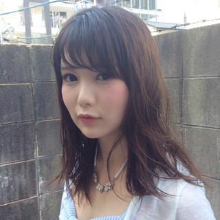 ナチュラル パーマ 前髪あり フェミニン ヘアスタイルや髪型の写真・画像