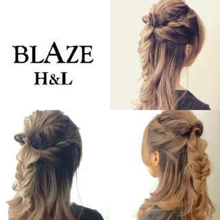 編み込み くるりんぱ ねじり ハーフアップ ヘアスタイルや髪型の写真・画像 ヘアスタイルや髪型の写真・画像