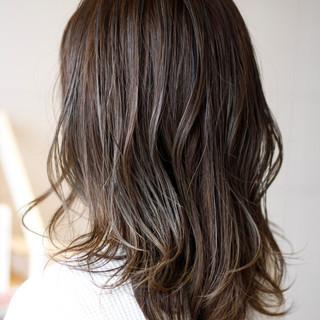 ゆるナチュラル グレージュ セミロング フェミニン ヘアスタイルや髪型の写真・画像 ヘアスタイルや髪型の写真・画像