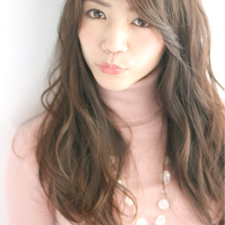 フェミニン ロング 大人かわいい 外国人風 ヘアスタイルや髪型の写真・画像