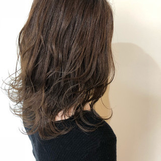 エレガント バレイヤージュ デート ミディアム ヘアスタイルや髪型の写真・画像