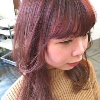 フリンジバング ミルクティー ラベンダーピンク レッド ヘアスタイルや髪型の写真・画像