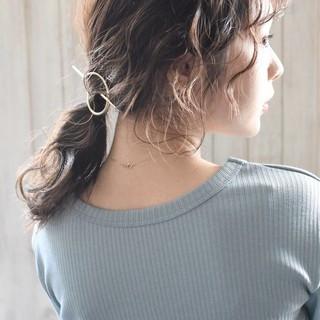 ミディアム ヘアアレンジ ベージュ オリーブベージュ ヘアスタイルや髪型の写真・画像