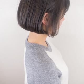 ショートボブ ミニボブ ナチュラル 切りっぱなしボブ ヘアスタイルや髪型の写真・画像