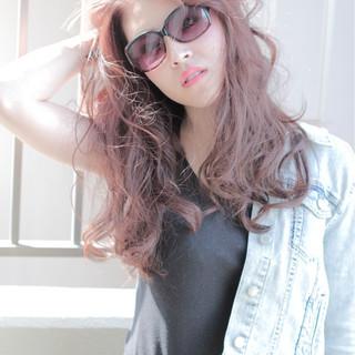 ルーズ ウェーブ ストリート ロング ヘアスタイルや髪型の写真・画像