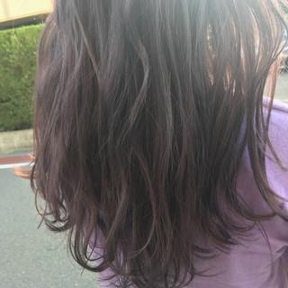 グレージュ アッシュバイオレット バイオレットアッシュ パープル ヘアスタイルや髪型の写真・画像