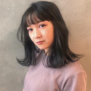 伸ばしかけ パーマ ナチュラル レイヤーカット ヘアスタイルや髪型の写真・画像