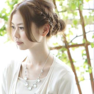 夏 お団子 ヘアアレンジ ルーズ ヘアスタイルや髪型の写真・画像 ヘアスタイルや髪型の写真・画像