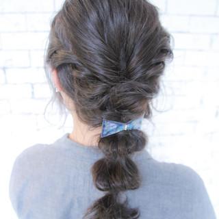 暗髪 外国人風 ヘアアレンジ くせ毛風 ヘアスタイルや髪型の写真・画像