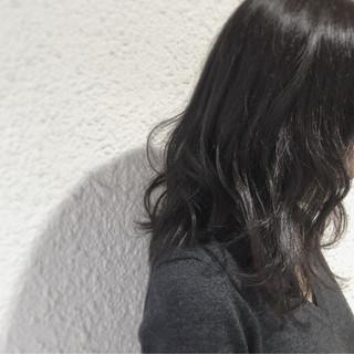 暗髪 大人かわいい フェミニン 冬 ヘアスタイルや髪型の写真・画像