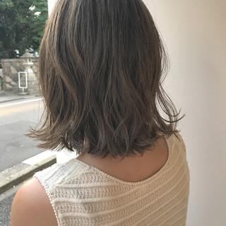 秋 ハイライト 外ハネ ロブ ヘアスタイルや髪型の写真・画像