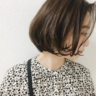 グレージュ リラックス 外国人風カラー ブルージュ ヘアスタイルや髪型の写真・画像