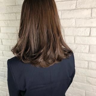 ナチュラル ブラウンベージュ 大人ハイライト 透明感カラー ヘアスタイルや髪型の写真・画像