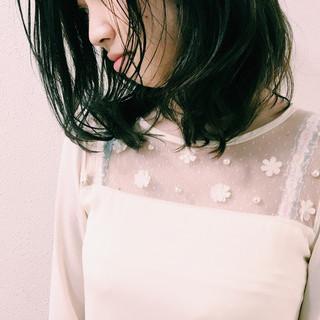 外国人風カラー アッシュ 暗髪 ナチュラル ヘアスタイルや髪型の写真・画像