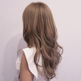 ロング 秋 ミルクティーベージュ 外国人風 ヘアスタイルや髪型の写真・画像