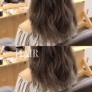 外国人風 セミロング グラデーションカラー アッシュ ヘアスタイルや髪型の写真・画像