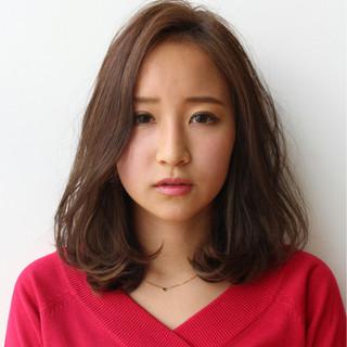 大人かわいい ゆるふわ パーマ ミディアム ヘアスタイルや髪型の写真・画像