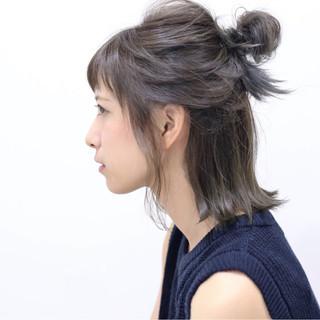 ハーフアップ ヘアアレンジ 簡単ヘアアレンジ グラデーションカラー ヘアスタイルや髪型の写真・画像