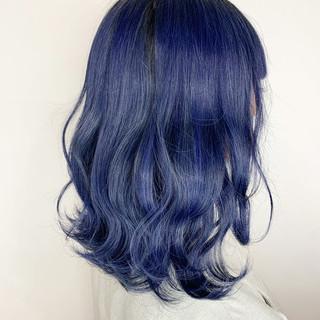 コリアンネイビー ネイビーカラー ネイビーブルー 切りっぱなしボブ ヘアスタイルや髪型の写真・画像