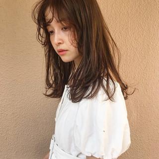 ミディアム フェミニン エフォートレス スポーツ ヘアスタイルや髪型の写真・画像