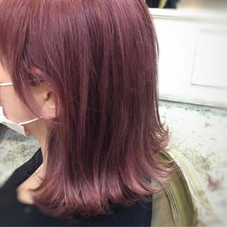 ストリート ベージュ 外ハネ ピンク ヘアスタイルや髪型の写真・画像