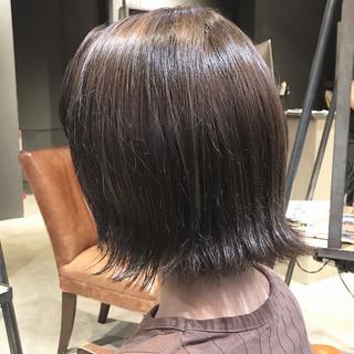 ナチュラル 大人女子 シルバー 大人ミディアム ヘアスタイルや髪型の写真・画像