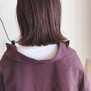 外国人風カラー ピンクブラウン ヘアアレンジ 切りっぱなしボブ ヘアスタイルや髪型の写真・画像