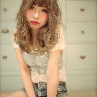 ハイライト セミロング グラデーションカラー 大人かわいい ヘアスタイルや髪型の写真・画像