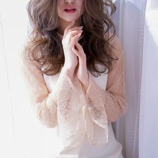 オフィス フェミニン セミロング イルミナカラー ヘアスタイルや髪型の写真・画像
