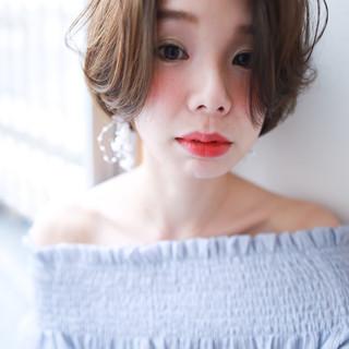 フェミニン ハンサムショート アンニュイほつれヘア パーマ ヘアスタイルや髪型の写真・画像