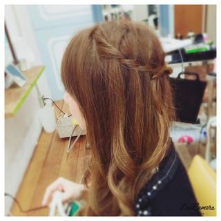 ウォーターフォール 大人かわいい 巻き髪 セミロング ヘアスタイルや髪型の写真・画像