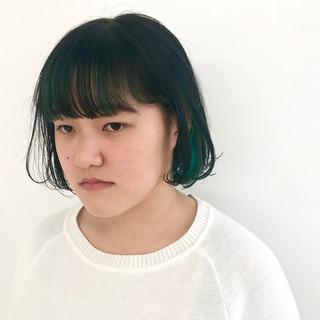 インナーカラー ナチュラル ターコイズブルー グリーン ヘアスタイルや髪型の写真・画像