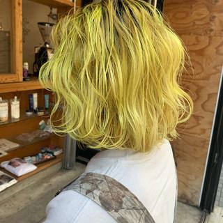 イエロー モード ハイトーンカラー ハイトーン ヘアスタイルや髪型の写真・画像