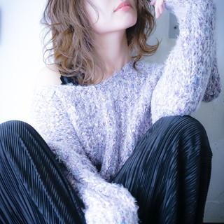 アンニュイほつれヘア ゆるふわ 大人カジュアル フェミニン ヘアスタイルや髪型の写真・画像 ヘアスタイルや髪型の写真・画像