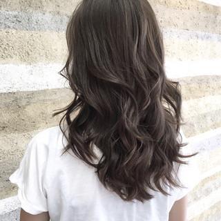 ローライト 外国人風 グラデーションカラー ナチュラル ヘアスタイルや髪型の写真・画像