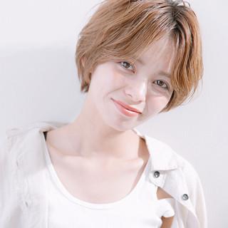 小顔ショート ナチュラル ヘアアレンジ アウトドア ヘアスタイルや髪型の写真・画像
