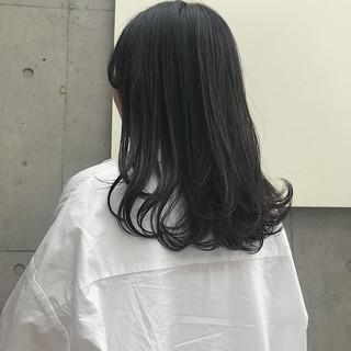 セミロング スモーキーアッシュベージュ アッシュベージュ グレージュ ヘアスタイルや髪型の写真・画像